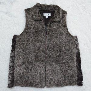 Widgeon faux fur vest Size XL